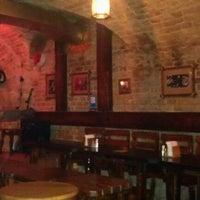 Снимок сделан в Blues Bar пользователем Aleksandra K. 2/25/2012