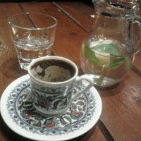 3/30/2012 tarihinde Sharkziyaretçi tarafından Son Osmanlı Nargile Cafe'de çekilen fotoğraf