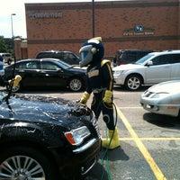 รูปภาพถ่ายที่ Kroger โดย Lawrence B. เมื่อ 7/15/2012