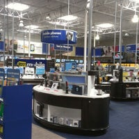 Photo taken at Best Buy by Edgar F. on 7/10/2012