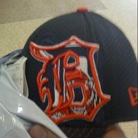Photo taken at Lids by Darin B. on 8/17/2012