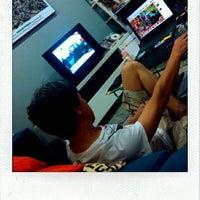 Photo taken at โซฟาหน้าจอโทรทัศน์@บ้านนายช่างโจ by Khaidao A. on 3/16/2012