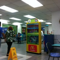 Photo taken at McDonald's by Traveltimes.com.mx ✈ S. on 6/30/2012
