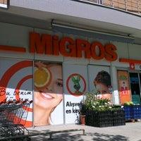 Foto diambil di Migros oleh Vedat B. pada 7/19/2012