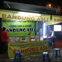 Photo taken at Martabak Bandung by Nurwata Yuda P. on 6/10/2012