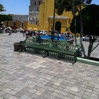 Foto tomada en Parque Central por Anakaren M. el 4/8/2012