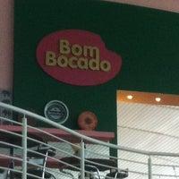 Photo taken at Bom Bocado by Marco Adiles M. on 5/28/2012