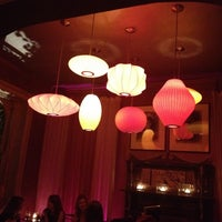 Foto diambil di Mollie Fontaine's Lounge oleh Bryan D. pada 3/31/2012