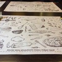 Снимок сделан в Meet-Point Pizzabar пользователем Mārtiņš 5/5/2017