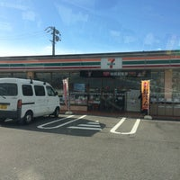 Photo taken at セブンイレブン 海津町馬目店 by momo on 12/17/2015