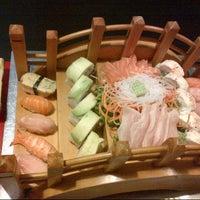 Foto tomada en Kaori Sushi Bar por Mario Z. el 11/29/2012