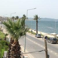 3/31/2013 tarihinde Nur Y.ziyaretçi tarafından Güzelbahçe Sahili'de çekilen fotoğraf