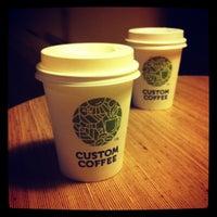 Снимок сделан в Custom Coffee пользователем Дашенька Б. 4/16/2013