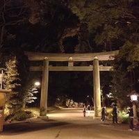 Foto tirada no(a) 明治神宮 北参道 por kame k. em 12/31/2012