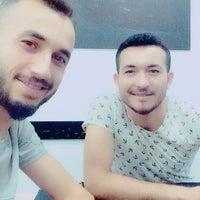 Photo taken at Bergama Beşiktaş'lılar derneği lokali by Hasan A. on 8/7/2017