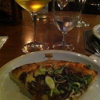 Foto tirada no(a) Jullia Pizza Bar por Lise C. em 3/1/2013