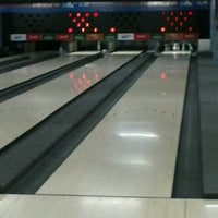 Photo taken at Amazon Bowling by Tayanny L. on 10/28/2012