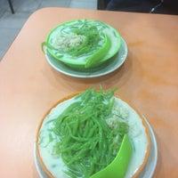 Photo taken at Restoran Rojak & Cendol by Shelly S. on 5/13/2017
