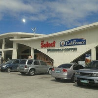 Photo taken at Shell Oasis by Elisse B. on 1/21/2013