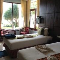 Photo taken at Amantra Resort & Spa Koh Lanta by หนุ่มอิสาน ไ. on 5/3/2013