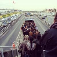 3/28/2013 tarihinde Figen Ö.ziyaretçi tarafından Cevizlibağ Metrobüs Durağı'de çekilen fotoğraf