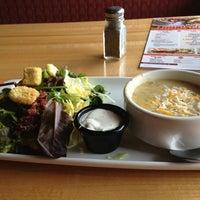 Photo taken at Applebee's Neighborhood Grill & Bar by Alex A. on 7/24/2013