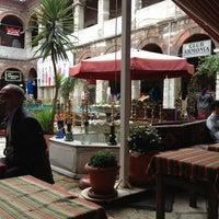 Photo prise au Taşhan Historical Bazaar par Bülent Ç. le11/24/2012