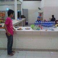 Photo taken at Cafe Lestari by Muhammad Azham N. on 10/27/2013