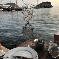Photo prise au Karafaki Restaurant par Nirva A. le8/11/2013
