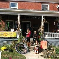 Photo taken at Prana Juice Bar & Namaste Cafe by Mary Alice R. on 10/20/2012