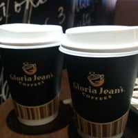Photo taken at Gloria Jean's by Nada R. on 12/14/2012