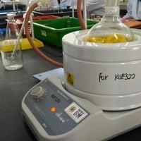 Photo taken at Pusat Pengajian Sains Kimia by 나즈미 나. on 2/27/2017