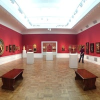 Photo taken at Portland Art Museum by Ekkapong T. on 5/26/2013