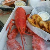 Снимок сделан в Jazzy's Mainely Lobster пользователем DeAnna M. 10/2/2015