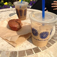 Photo taken at The Coffee Bean & Tea Leaf by Negin on 6/1/2013