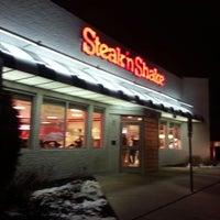 Photo taken at Steak 'n Shake by Jr C. on 1/3/2013