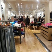 Photo taken at American Eagle Outfitters by Jr C. on 12/18/2012