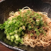 Photo taken at 汁なし担担麺専門 キング軒 東京店 by street l. on 9/11/2017