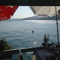 Foto scattata a Çapari Restaurant da Yeliz B. il 7/28/2013