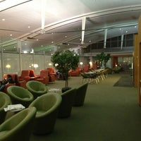 Photo taken at Maple Leaf Lounge (International) by Aptraveler on 5/25/2013