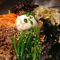 Photo taken at 焼肉・韓国家庭料理 眞味亭 by FunkyCat on 6/22/2013