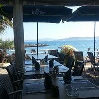 6/12/2013 tarihinde Sven J.ziyaretçi tarafından Riva Restaurant'de çekilen fotoğraf