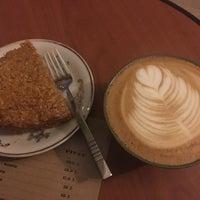 10/30/2017 tarihinde Serkan A.ziyaretçi tarafından Black Cat Coffee'de çekilen fotoğraf