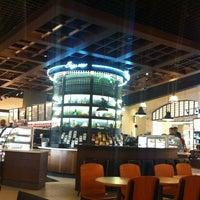4/25/2013 tarihinde Pinar K.ziyaretçi tarafından Starbucks'de çekilen fotoğraf