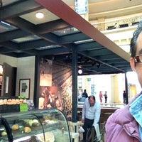 Photo taken at Starbucks by Fernando R. on 1/25/2013