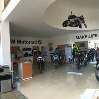 Photo taken at BMW Motorrad León by Julio A. on 6/2/2017