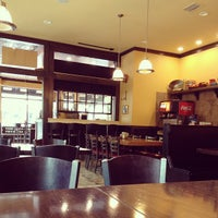 Foto scattata a Pete's Pizzeria & Bakehouse da Louis P. il 7/3/2013