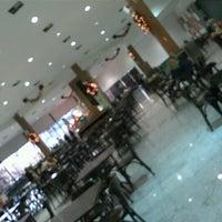 Foto tirada no(a) Shopping Bougainville por Eric K. em 12/13/2012