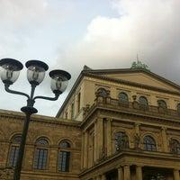 Das Foto wurde bei Opernplatz von Andreas B. am 7/14/2013 aufgenommen