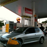 Foto tirada no(a) Posto Oliveirense por Hugo G. em 11/5/2012